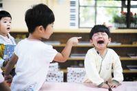 孩子在学校受欺负后不愿意上学怎么办?